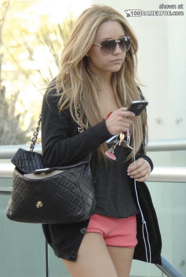 Amanda Bynes constricted jeans and shorts cameltoe