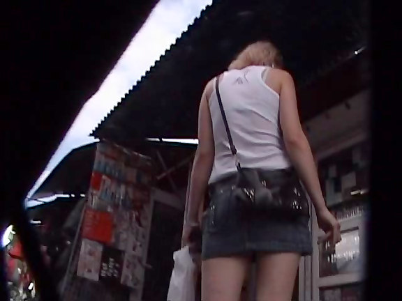 100 Upskirts upskirt video